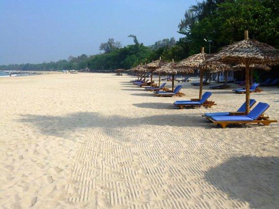 Ngapali Beach: Empty beach