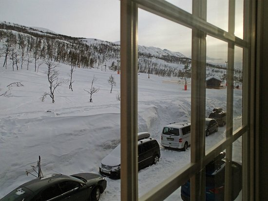 Maalselv Fjellandsby: View from the apartment towards ski slopes.