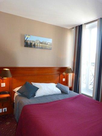 Hotel Paris Rivoli: Das Bett