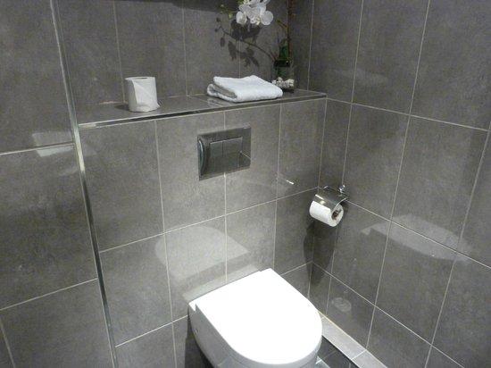 Hotel Paris Rivoli: Das neu gestaltete Bad