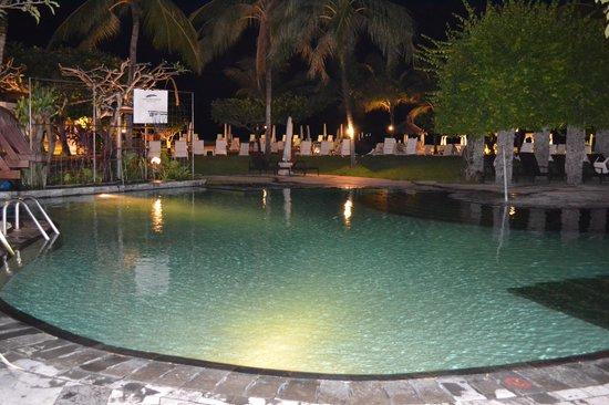 Grand Mirage Resort and Thalasso Bali: The Swimming Pool