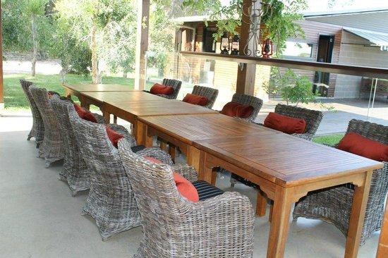 Spicers Sangoma Retreat: Outdoor dining area
