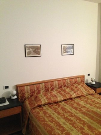 Albergo Firenze: King size bed