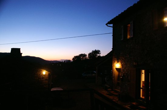 Agriturismo Podere Tegline: in the evening