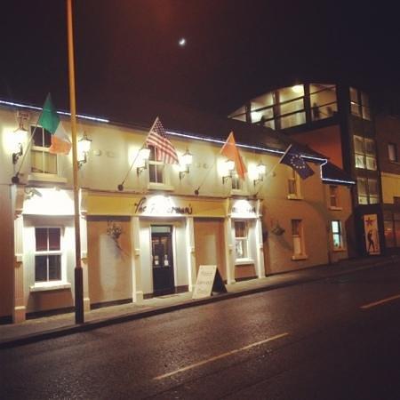 The Fisherman's Pub & Restaurant: the fisherman's bar and restaurant
