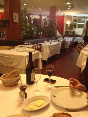 Restaurant Le Coq de la Maison Blanche: du vin