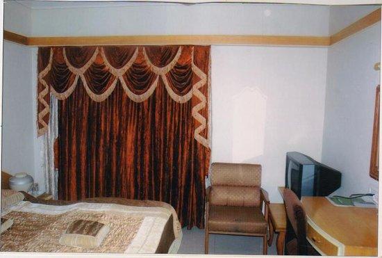 Hotel Balwas: Suite Room
