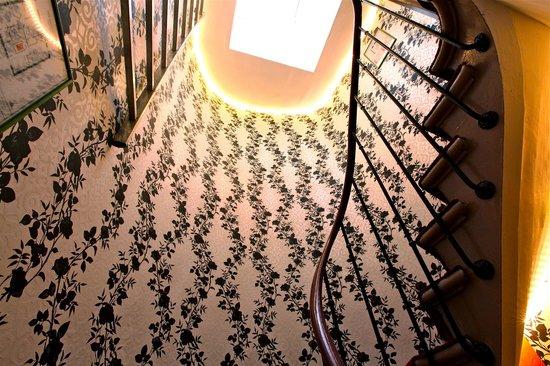 Plug-Inn Hostel : Stairs