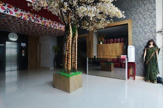 Lotels Hotel: Lobby