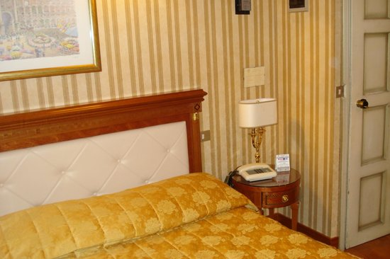 Hotel Eliseo: single room