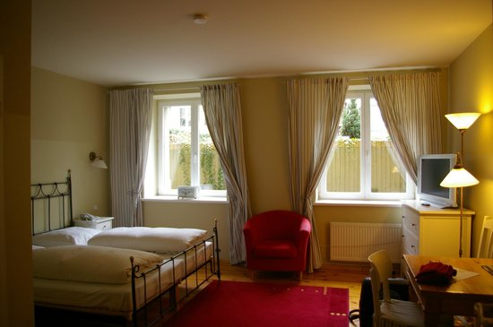 "Hotel Residenz Begaswinkel: Unser Doppelzimmer im Hotel ""Residenz Begaswinkel"""