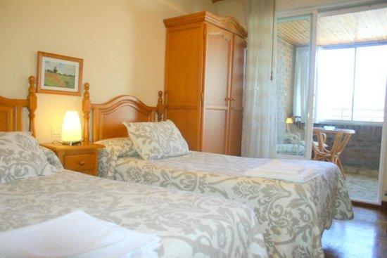Hostal Abodi: Habitación doble 2 camas con terraza