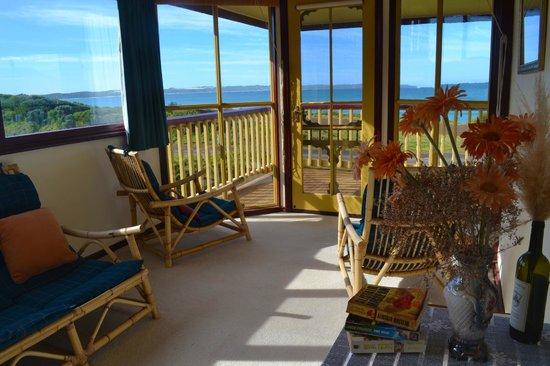 Cape Bridgewater Sea View Lodge: Sitting room in the B & B