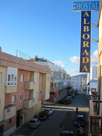 Hostal Alborada: Gata utenfor