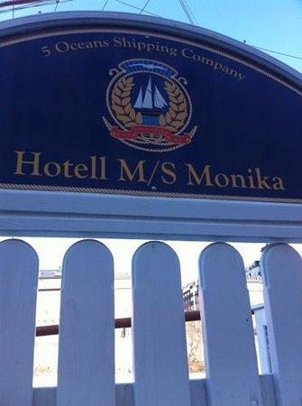 M/S Monika: monika