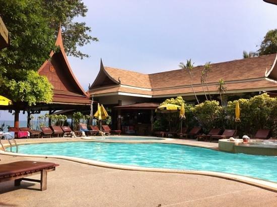 บิลล์ รีสอร์ท: la piscine