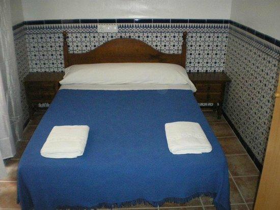 Hostal Generalife: habitacion interior
