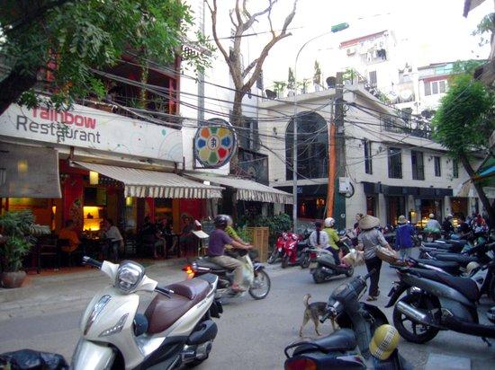 Hanoi Imperial Hotel: entorno
