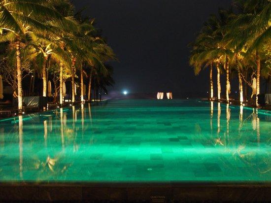 The Nam Hai Hoi An: Resort at night - stunning!