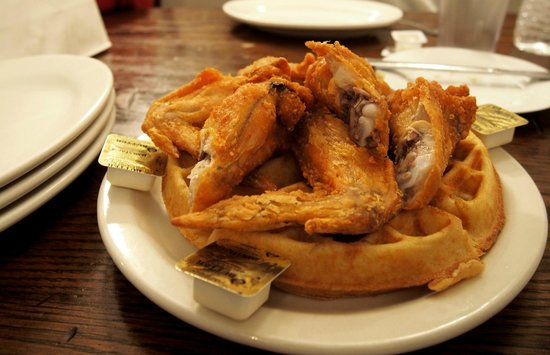 Taste Harlem Food & Cultural Tours : My favourite chicken and waffles