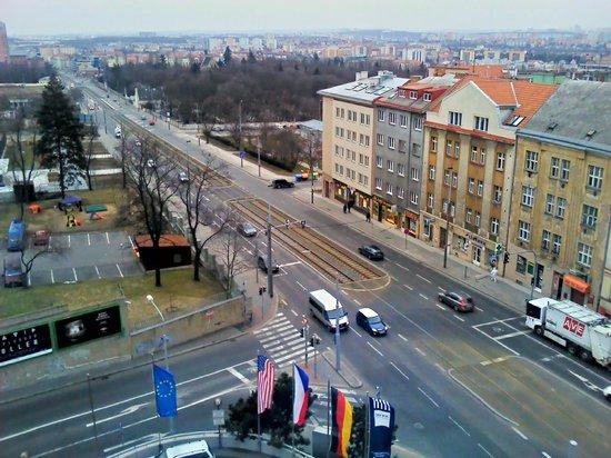 Hotel Don Giovanni: Vinohradska street