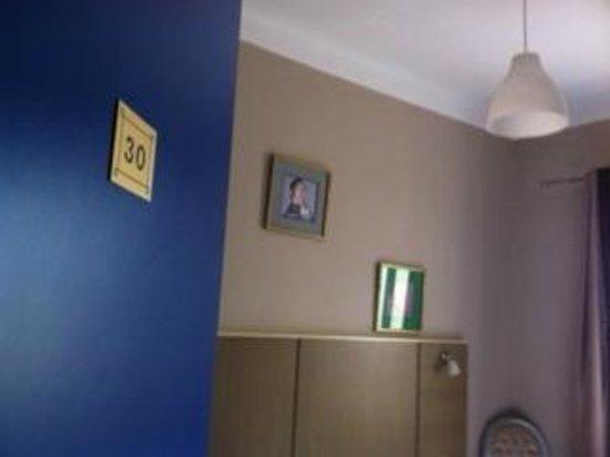 Amiraute: Room