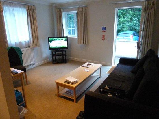 Nant Ddu Lodge Hotel & Spa: Living room in suites
