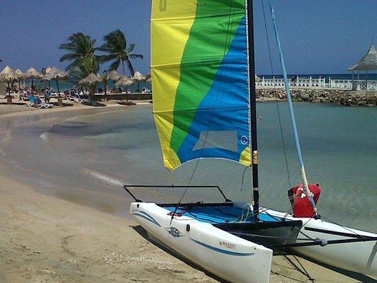 Royal Decameron Club Caribbean: beach/ yacht
