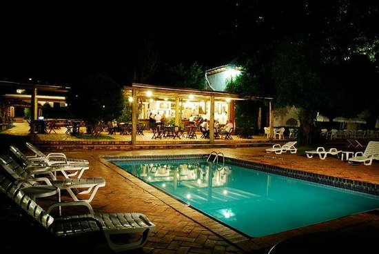 Santa Branca, SP: Diversão a noite toda no Hotel Fazendão