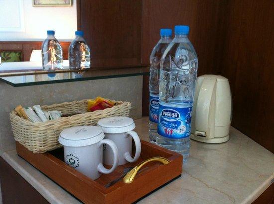 Madina Oberoi: Coffee Tray