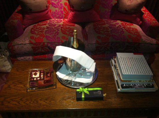 The Forbury Roseate: Champagne and Chocolates on Arrival
