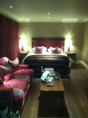 The Forbury Roseate: Room (suite) 32