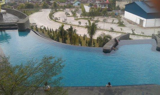 Hotel Novotel Lampung : Infinity Pool
