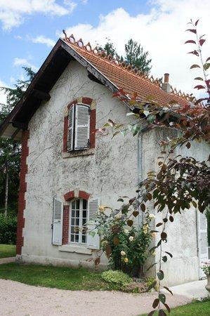 Ecole des Trois Ponts : The school