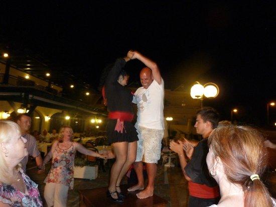 Anastasia Hotel: Table dancer