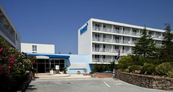 โรงแรมบลูซันโบรัค: Hotel entrance