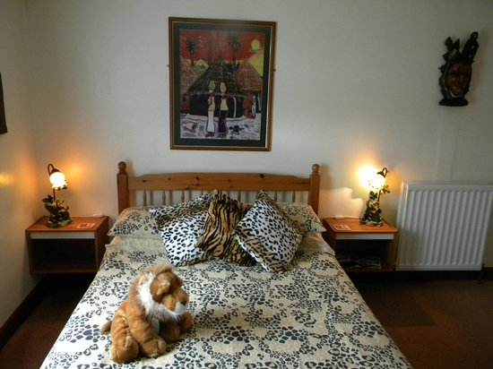 The Malthouse B&B: Family Bedroom 'The African Room'