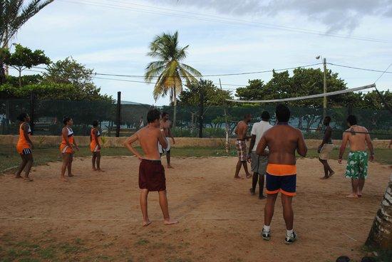 Isla Caribe Beach Hotel: Sand court