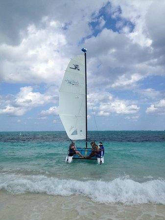 West Bay Club: sailing with Eduardo