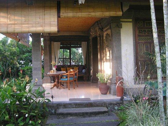 Alam Shanti: Terrasse de la chambre Shindu