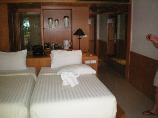Seaview Patong Hotel: Delux Bedroom