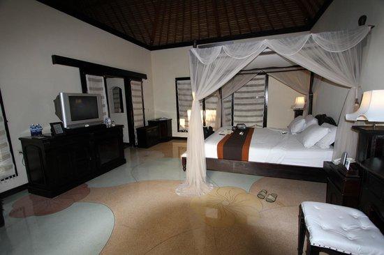 Furama Villas & Spa Ubud: La chambre