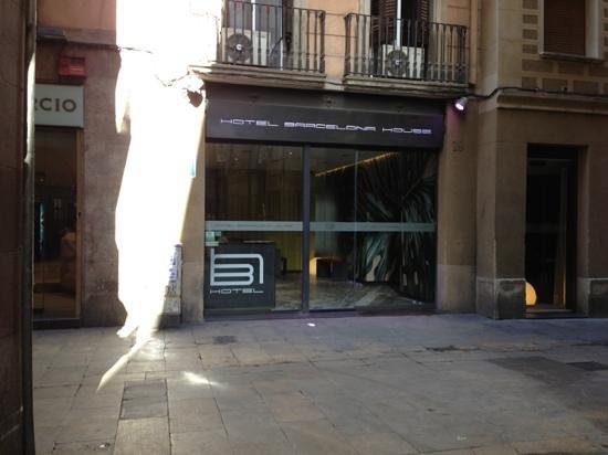 hotel barcelona house entrance