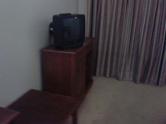 Hotel Santa Maria: old tv