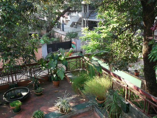 Green House Home Stay: Communal Balcony