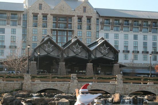 front view of the hotel picture of gaylord texan resort. Black Bedroom Furniture Sets. Home Design Ideas