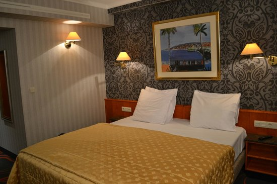 Hotel International : la chambre 107