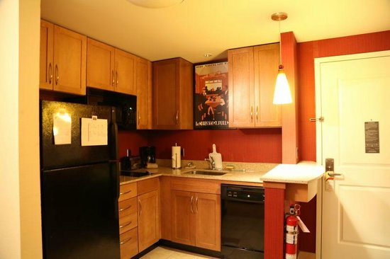 Residence Inn Kingston Water's Edge: キッチン