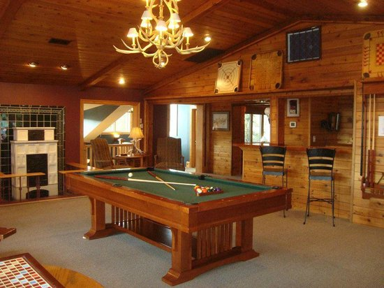 Guesthouse Lost River Pool Table