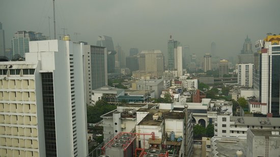 BelAire Bangkok: View from 18th floor